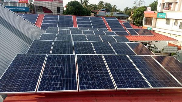Hệ thống điện năng lượng mặt trời áp mái tối ưu cho gia đình