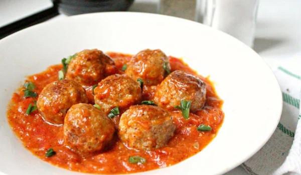 Các món ăn dinh dưỡng cho bé 2 tuổi | Thịt viên sốt cà chua