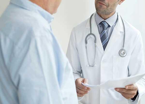 Áo blouse trắng bác sĩ